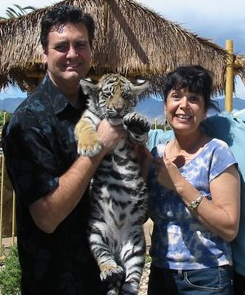 Lorie Viner, founder of Vee Enterprises and inventor of their products of Vee cats and dogs toys with magician Rick Thomas